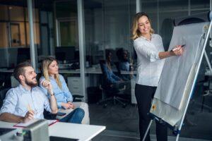 Promoción y consolidación del empleo en pequeñas empresas emergentes